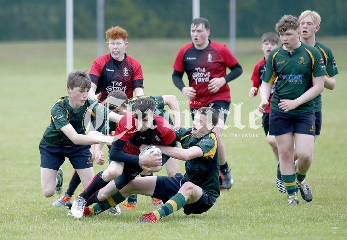 CH28-9-6-21-RUGBY-Regent-Medallion-action-