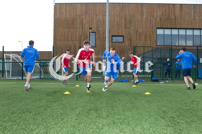 B19-12-11-20-Ards-FC-training