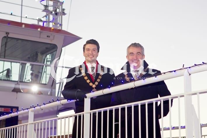 B34-13-12-18 P'ferry Carolship mayors