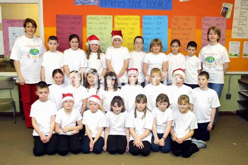 N14-28_12_01StMarys-Choir