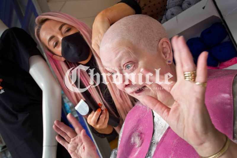 B14-7-10-21-Patsy-Millar-head-shave