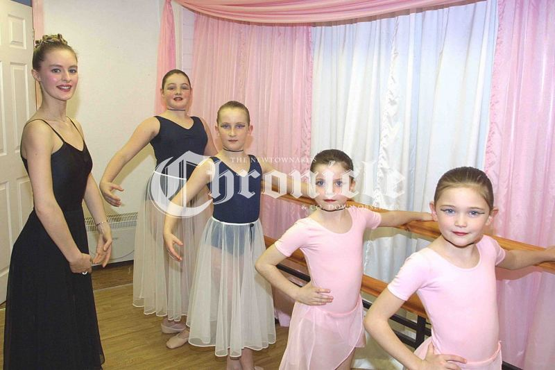J8-22-11-01-tamy-jones-dance