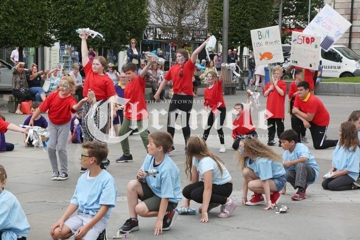 f703338e-j24-8_8_19-flashmob-8